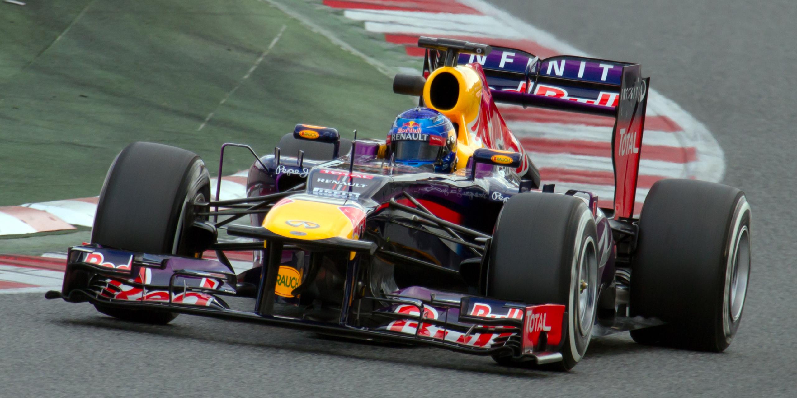Vettel a batut recordul lui Schumacher