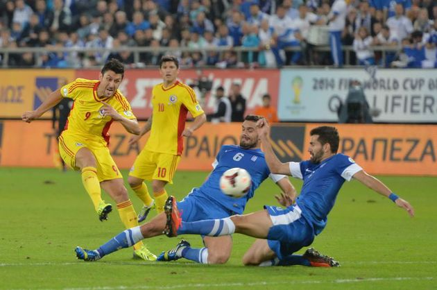 ROMÂNIA – GRECIA 1-1 în barajul pentru Campionatul Mondial 2014. Naţionala ratează încă un turneu final.