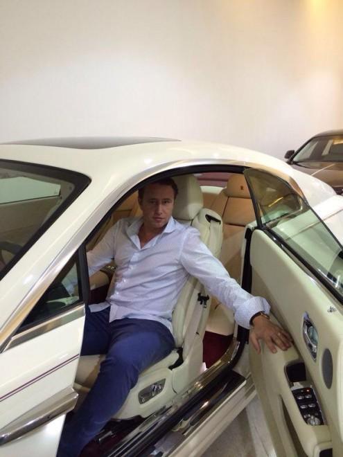 Vezi cum arata masina antrenorului Reghecampf. Rolls Royce de 850.000 de euro
