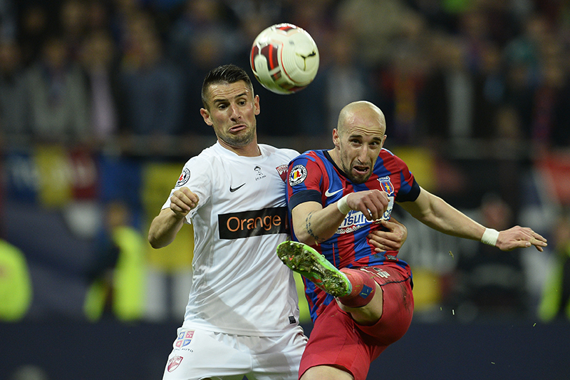 Steaua – Dinamo 5-2. Elevii lui Reghe au luat prima opțiune pentru calificarea în finală