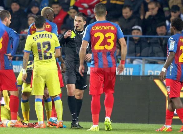 Steaua pierde la Targu Mureș, 0-1, dupa un meci nebun, influentat si de unele decizii scandaloase ale lui Kovacs