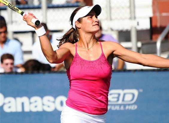 C-asa-i in tenis!